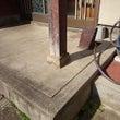 玄関ポーチの柱石の交…