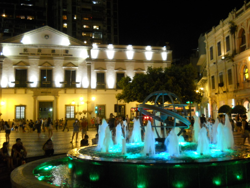 マカオ、セナド広場、夜景2