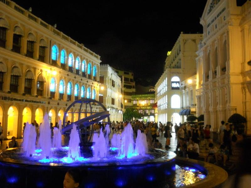マカオ、セナド広場、夜景1