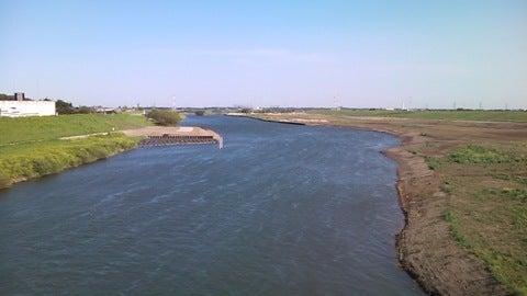 野田橋から見下ろす江戸川の流れ