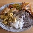 ネパールの料理を食べ…