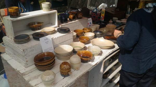 陶器テント市の様子(3)