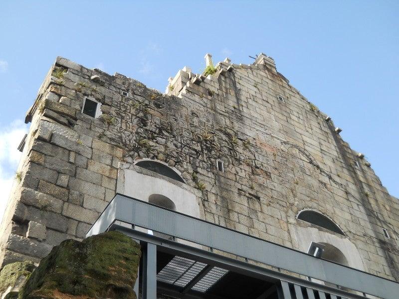 聖ポール天主堂を裏から見上げる