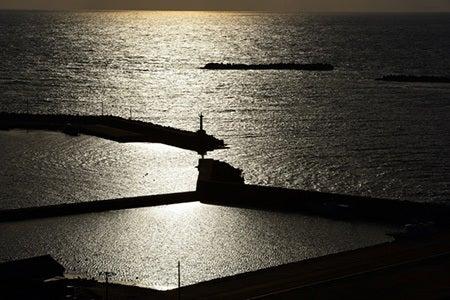 海に沈む夕陽が美しい出雲崎