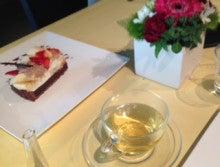 お茶とスイーツとお花