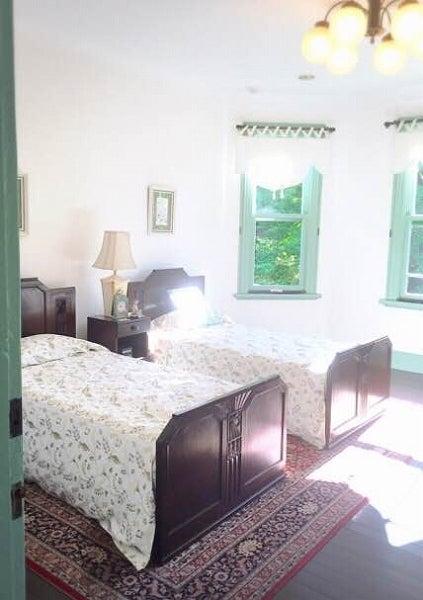 ブラフ18番館ベッドルーム