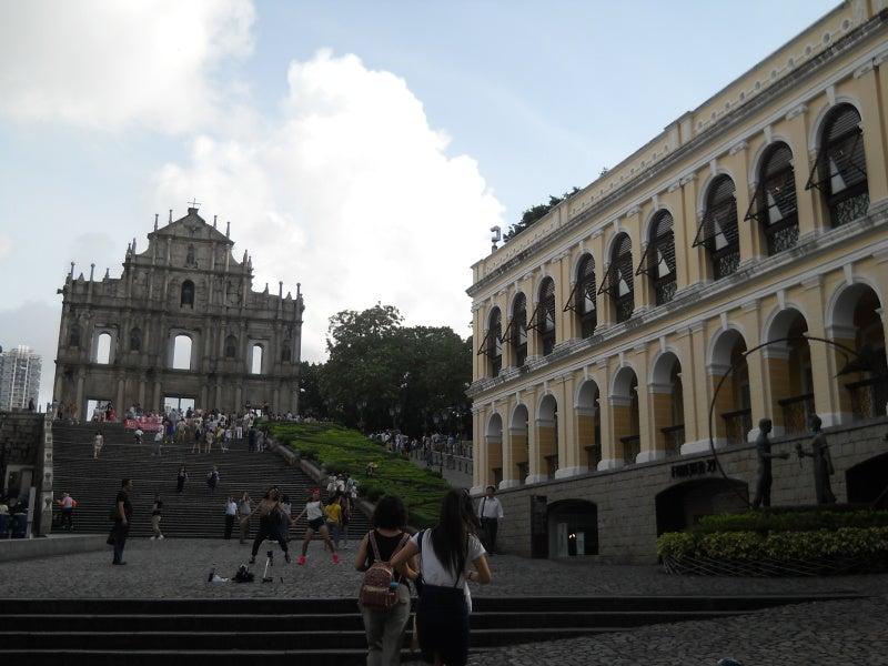 聖ポール天主堂の前の下の広場