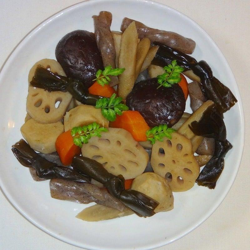 結び昆布と根菜の煮物