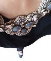 サフィレットジュエリーネックレス、グレービーズ刺繍ビジューネックレス