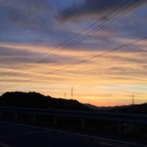 夕焼けと次の日の朝の…