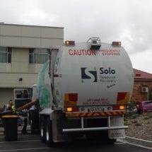 ゴミ収集車と清掃車