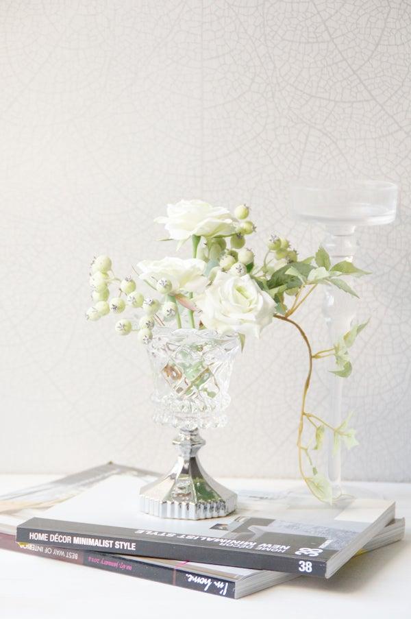 造花のホワイトミニローズ