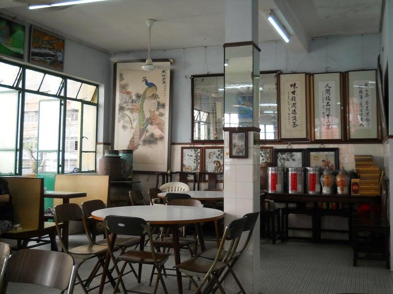 龍華茶楼の店内