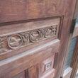 彫刻入の木製ドアを再…