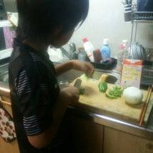 息子が料理を