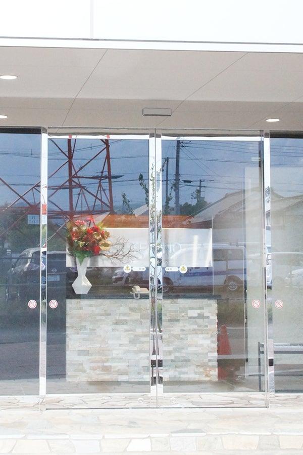会社玄関に飾る造花