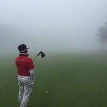 悪天候のゴルフコンペ