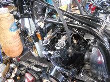 Z1100Rエンジンヘッド周りの整備中!