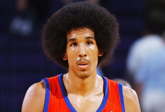 ハイスクール・オールアメリカンゲームに選出され、イリノイ州のMr.バスケットボールに選ばれるなど順風満帆な選手人生を送っていました。髪型 もおちゃめ。