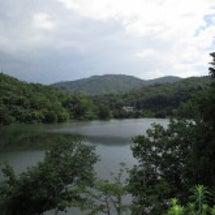 雨上がりの湖