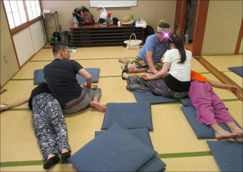 『教え合う練習会』タイ古式マッサージ委員会 5