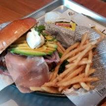 ☆ハンバーガーとパン…