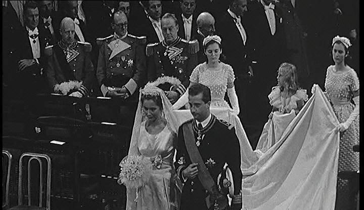 パオラ伯爵令嬢の結婚式 ウエディングガウン