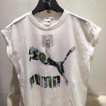 pumaのTシャツ