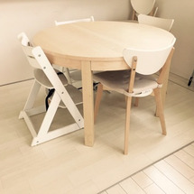 丸テーブル。(^_^…