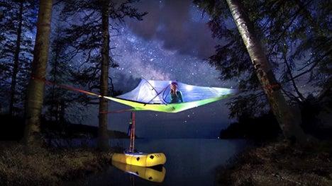 宙に浮くテントがお手頃価格!
