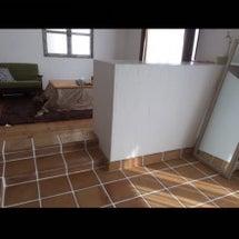 テレビ台解体と階段工…