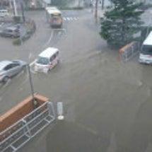 大雨警報 川氾濫