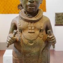 34 オニ(王)の像…