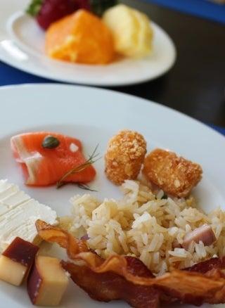 グアム旅行 デュシタニ ラウンジ 朝食 おすすめ