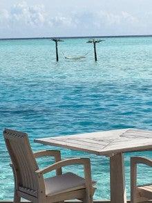 海のハンモック風景