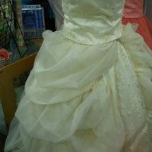 ウエディングドレスへ…