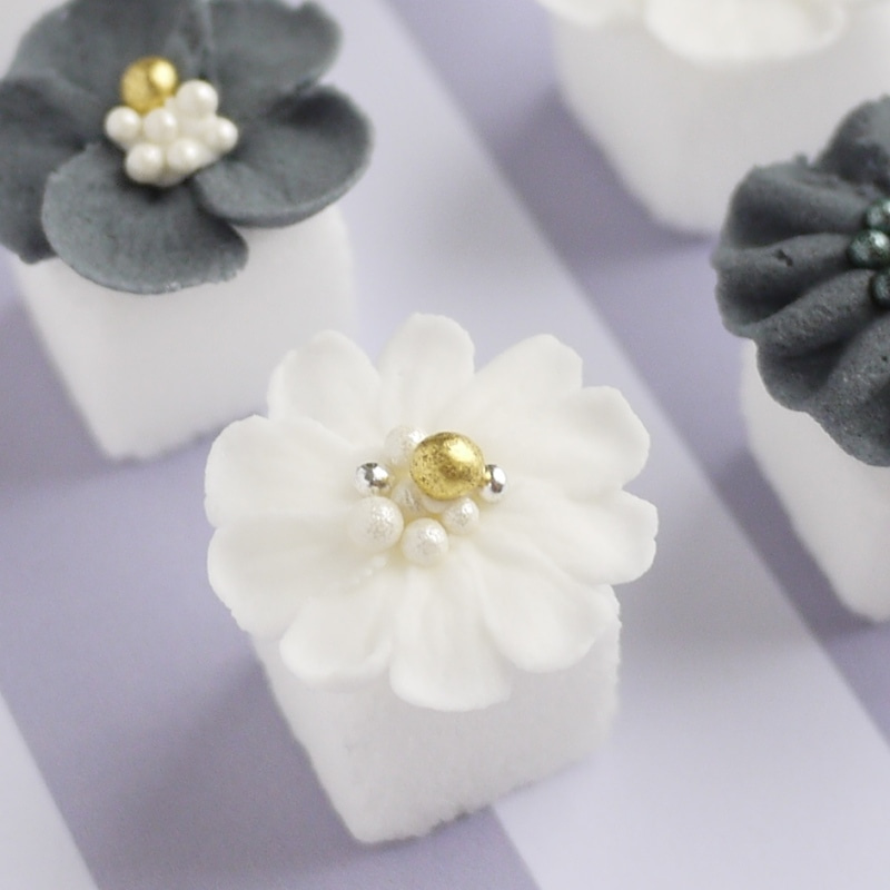 お花絞り 5枚花 フリルコサージュ