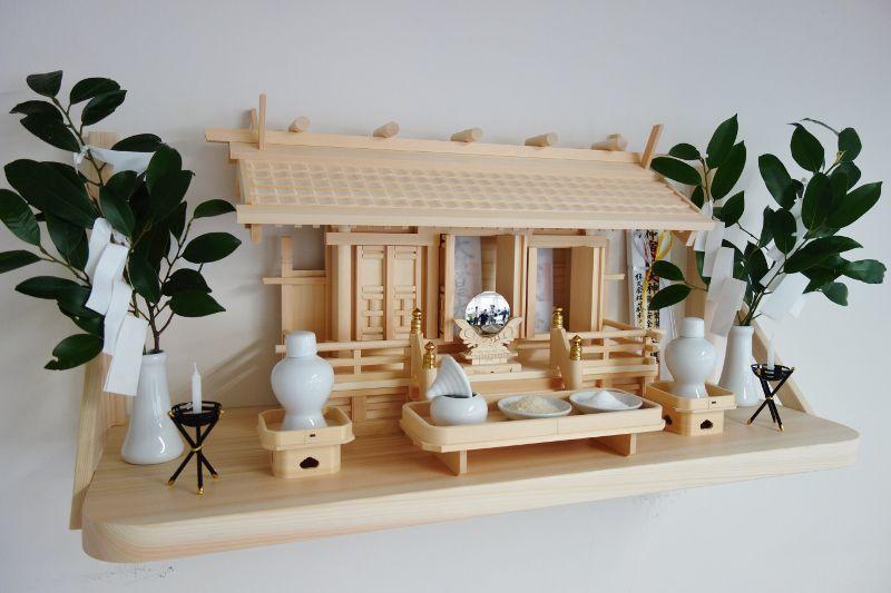 瓦屋根三社+国産桧神棚板+神具セット