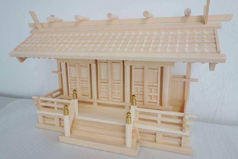 瓦屋根の造作が美しい職人手作り神棚