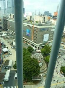 新宿東口駅前献血ルーム窓2