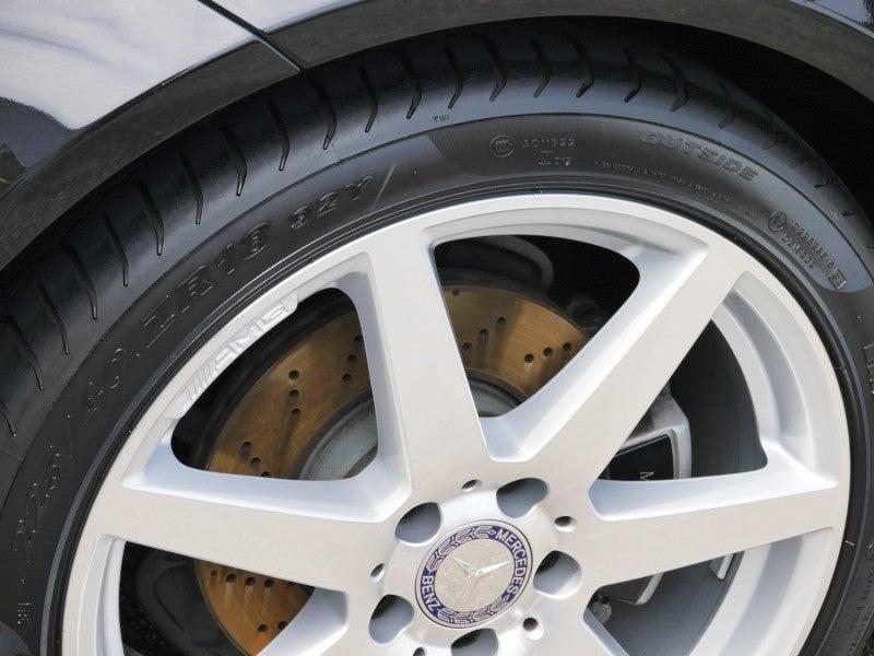 洗車後タイヤコーティングを施工したタイヤ
