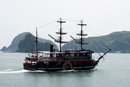 下田港遊覧船 黒船「サスケハナ」