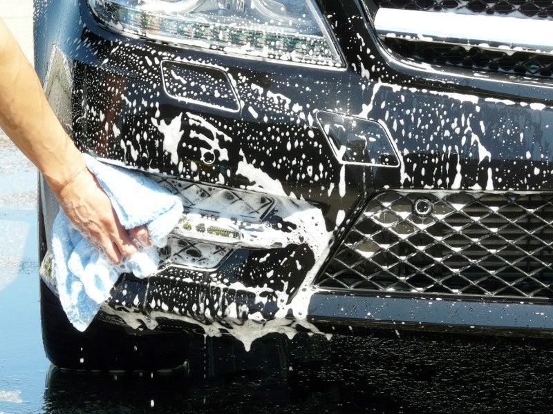 フロントグリルのメッシュ部分もラクラク洗車