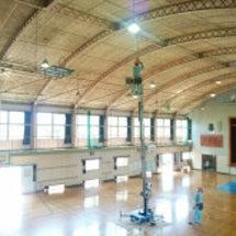 体育館照明改修 。