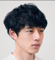 坂口健太郎 髪型 マッシュ 宇野恭平