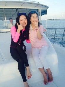 明朗活発な中国女子と