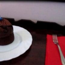 お誕生日ケーキをいた…