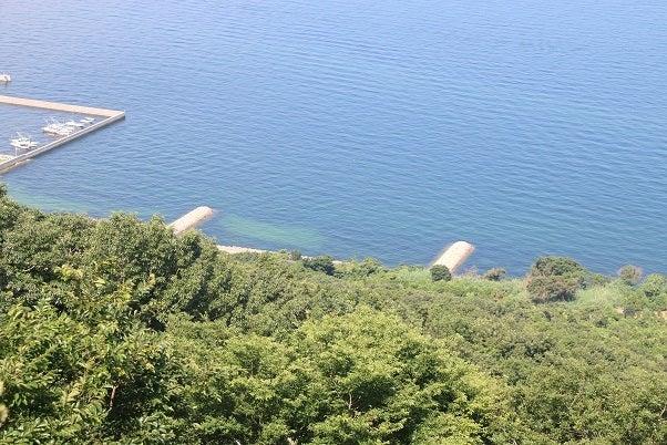 女木島洞窟付近
