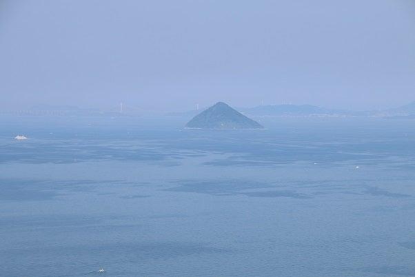 女木島から瀬戸大橋方向