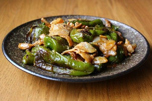 万願寺唐辛子と豚バラ肉の甘辛炒め02
